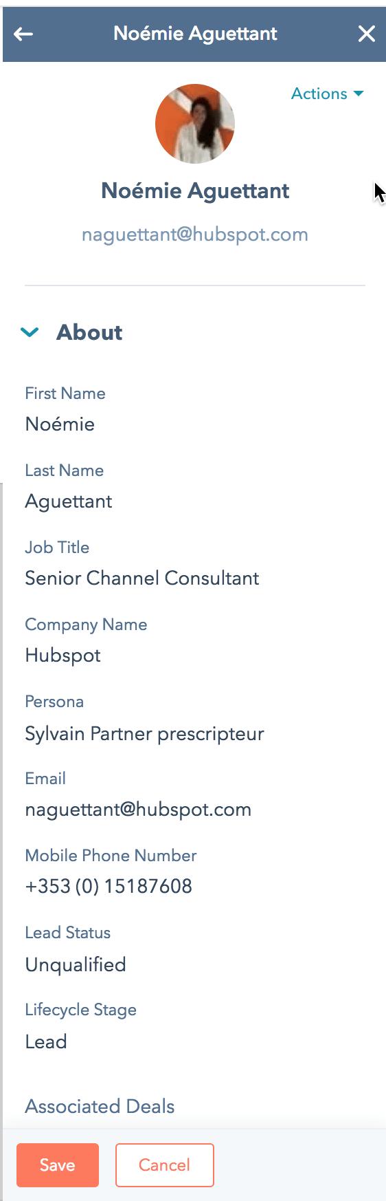 fiche contact HubSpot
